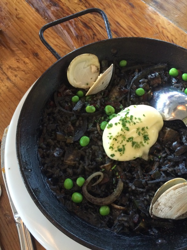 Barlata | South Lamar Austin | Brunch | Paella Arros Negre